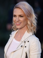 January Jones showed off a cool platinum-blonde wavy 'do at the Burberry London in Los Angeles show.