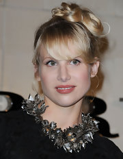 Lucy Punch went for a fun look with these pinned-up ringlets at the Burberry party.