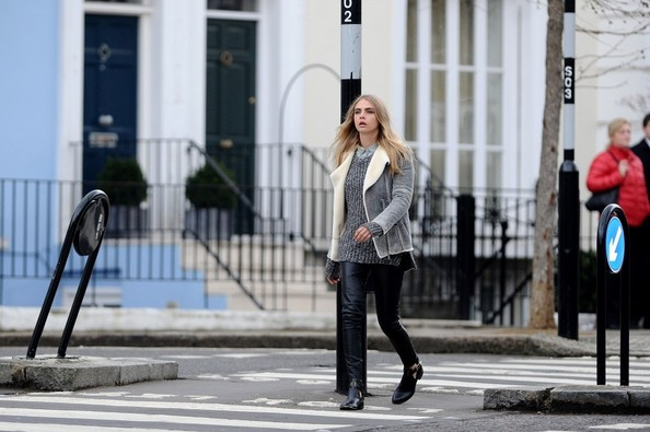 More Pics of Cara Delevingne Fitted Jacket (1 of 23) - Cara Delevingne Lookbook - StyleBistro
