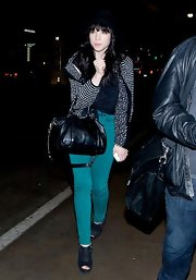 Carly Rae Jepsen brightened up the night with these turquoise skinny jeans.