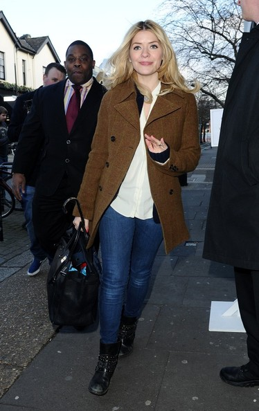 More Pics of Holly Willoughby Tweed Jacket (1 of 8) - Holly Willoughby Lookbook - StyleBistro