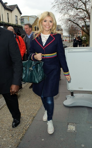 More Pics of Holly Willoughby Wool Coat (3 of 5) - Wool Coat Lookbook - StyleBistro
