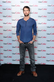 Chace Crawford went casual in this classic faded blue henley for the Diet Coke promotion.