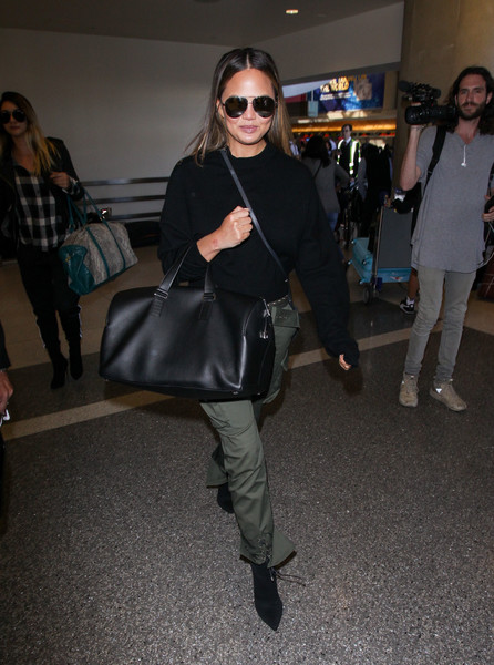 More Pics of Chrissy Teigen Duffle Bag (1 of 5) - Duffle Bag Lookbook - StyleBistro