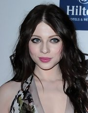 Michelle Trachtenberg attended the 2012 pre-Grammy Gala wearing a bright bubblegum pink lipstick.