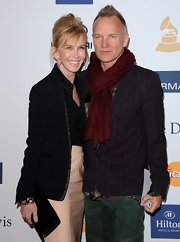 Sting showed his rocker style with this quirky striped blazer at the 2013 pre-Grammy party hosted by Clive Davis.