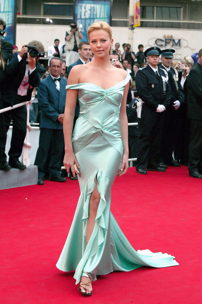 Rep. 12217    Cannes/France.Closing night at the 57th Cannes Film Festival.Pic shows: Charlize Theron.