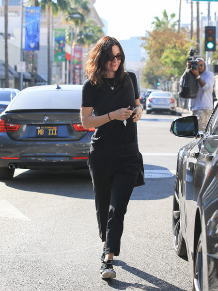 More Pics of Courteney Cox Leather Messenger Bag (1 of 9) - Courteney Cox Lookbook - StyleBistro