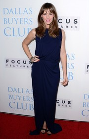 Jennifer Garner kept it modest in a no-frills navy evening dress by Vionnet during the 'Dallas Buyers Club' premiere.