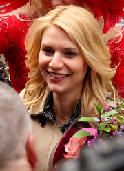 Claire Danes wore her hair in softly feathered layers while visiting Harvard University.