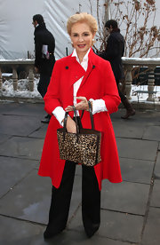 Carolina Herrera's red coat, black slacks, and leopard-print tote were a flawless combination.