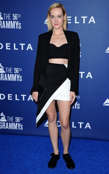 Jena Malone tamed her sexy corset top with a boxy black blazer when she attended the Delta Air Lines Grammy party.