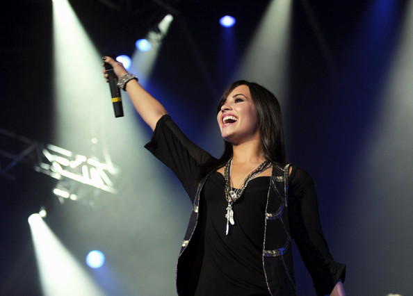 Demi Lovato Layered Beaded Necklace []