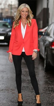 A pair of black leggings topped off Denise van Outen's look at the London Studios.