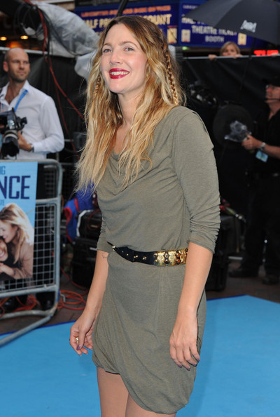 More Pics of Drew Barrymore Long Wavy Cut (3 of 11) - Drew Barrymore Lookbook - StyleBistro