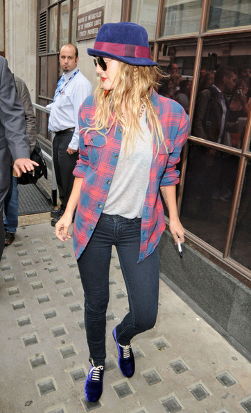 More Pics of Drew Barrymore Leggings (1 of 4) - Drew Barrymore Lookbook - StyleBistro