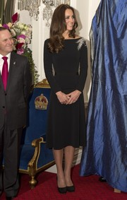 Kate Middleton looked absolutely elegant at the Royal Reception in a black Jenny Packham dress with silver fern beading on one shoulder.