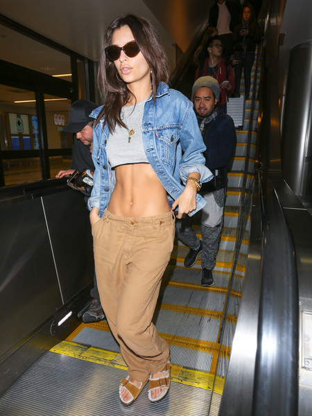 Emily Ratajkowski Slide Sandals Are The Summer Footwear Trend We Can't Get Enough Of []