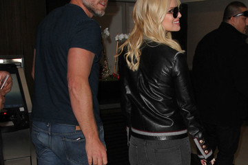 Eric Johnson Jessica Simpson Jessica Simpson and Eric Johnson Hit at LAX