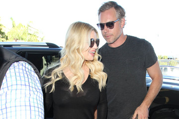 Eric Johnson Jessica Simpson Jessica Simpson and Eric Johnson Are Seen at LAX