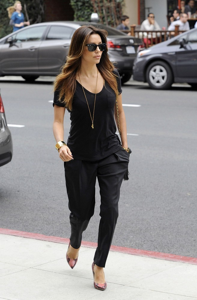 Eva Longoria 39 S Black And Gold Street Style Look Of The Day Livingly