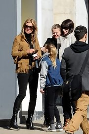 A pair of black skinny jeans showed off Kate Moss' long limbs and accentuated her figure.