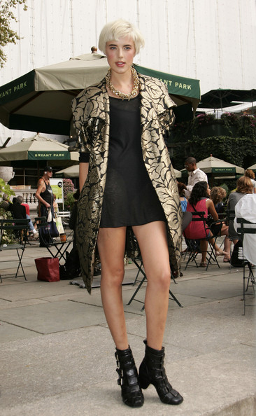 More Pics of Agyness Deyn Gold Chain (1 of 5) - Agyness Deyn Lookbook - StyleBistro