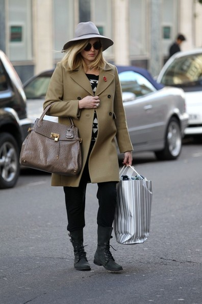 More Pics of Fearne Cotton Oversized Satchel (1 of 14) - Fearne Cotton Lookbook - StyleBistro