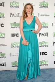 Julie Delpy oozed femininity at the Film Independent Spirit Awards in an aqua-blue gown with a ruffled slit.