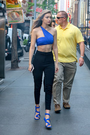 Ultra-sexy strappy sandals by Giuseppe Zanotti finished off Gigi Hadid's head-turning outfit.