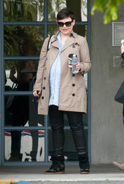 Ginnifer Goodwin ran errands wearing a classic beige trenchcoat.