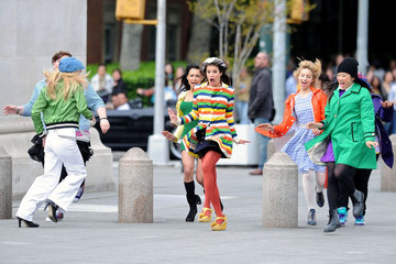 Lea Michele Heather Morris Glee Continues to Film in New York
