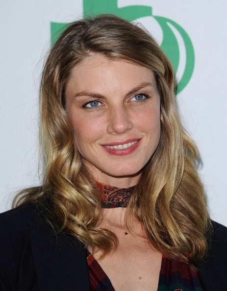 More Pics of Angela Lindvall Medium Wavy Cut (3 of 11) - Shoulder Length Hairstyles Lookbook - StyleBistro