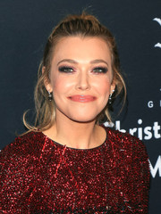Rachel Platten attended the Grove Christmas with Seth MacFarlane sporting a messy ponytail.