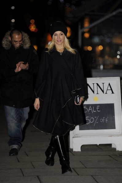 More Pics of Gwen Stefani Wool Coat (1 of 28) - Wool Coat Lookbook - StyleBistro