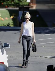 Gwen Stefani kept it simple with a pair of black jeans.