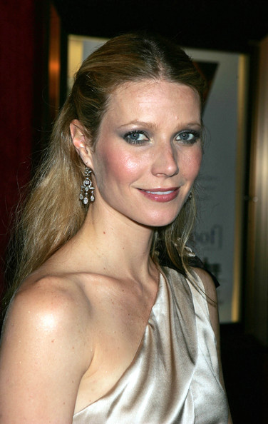 Gwyneth Paltrow Smoky Eyes