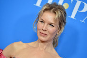 Renee Zellweger styled her hair into a loose, messy ponytail for the 2019 HFPA Grants Banquet.