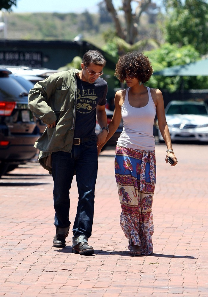 Halle Berry Long Skirt Halle Berry Looks Stylebistro