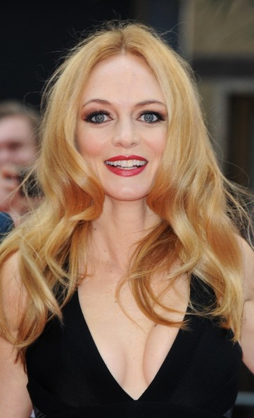 More Pics of Heather Graham Red Lipstick (1 of 12) - Makeup Lookbook - StyleBistro