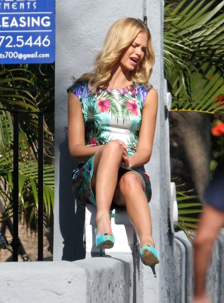 More Pics of Erin Heatherton Print Dress (7 of 14) - Erin Heatherton Lookbook - StyleBistro