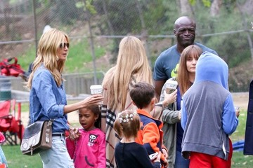 Heidi Klum Seal Seal and Heidi Klum Soccer Go to their Kids' Soccer Game — Part 3