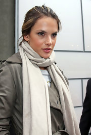 Alessandra Ambrosio looked naturally pretty with subtle pink lipstick on.