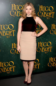Chloe Moretz wore a velvet cocktail dress in a deep wine hue for the 'Hugo' premiere.
