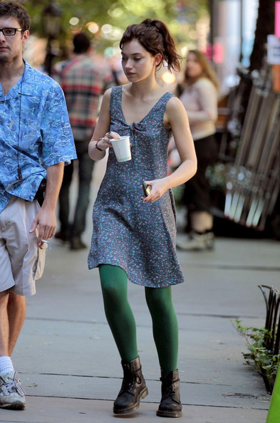 Imogen Poots Tights []