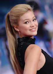 Olivia Holt rocked a basic ponytail at the 'Iron Man 3' premiere in Hollywood.