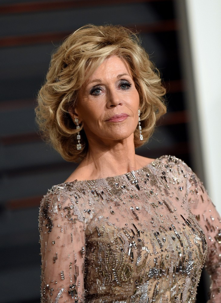 Jane Fonda Curled Out Bob Short Hairstyles Lookbook