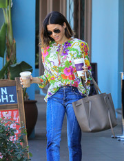 Jenna Dewan-Tatum accessorized with a stylish taupe leather tote by Celine for a coffee run.
