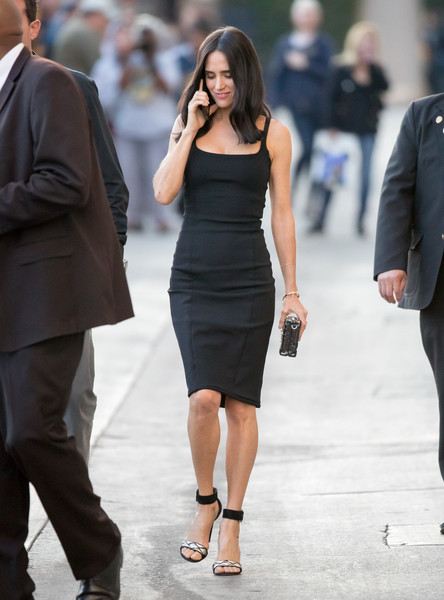 Jennifer Connelly showed off a svelte silhouette in this sleeveless LBD while making her way to 'Kimmel.'