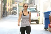 Jennifer Lawrence added some wow to her work-out gear with classically cool aviators.